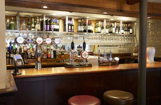 Adderbury, UK: Bar