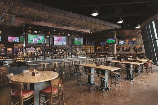 Oxon Hill, MD: Tap Sports Bar