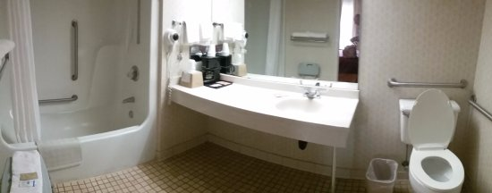 Perry, GA: panorama view of bathroom