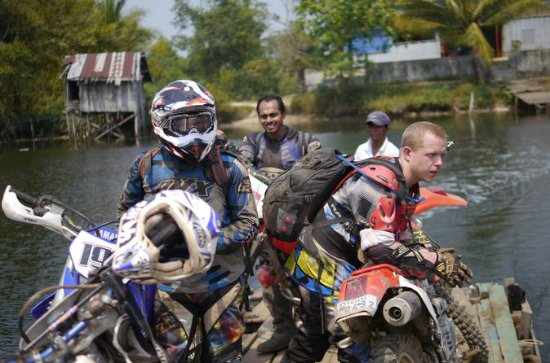 Verken Sihanoukville Dirt Bike Tour