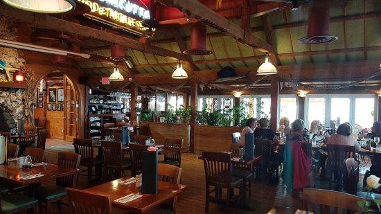 Jensen Beach, FL: Dolphin Bar & Shrimp House