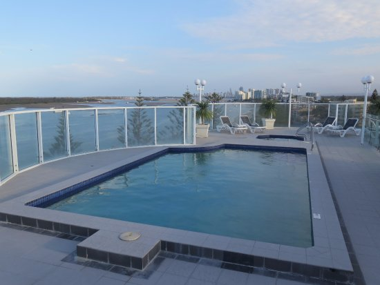 Biggera Waters, Avustralya: Beautiful roof top pool