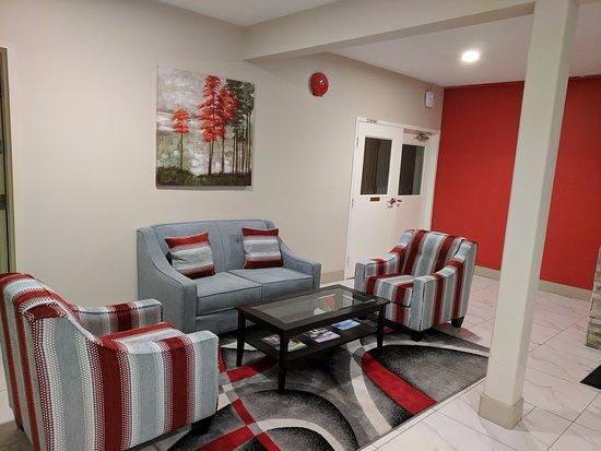 100 Mile House, Kanada: Lobby Sitting Area