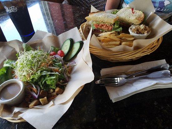 Kalaheo Cafe & Coffee Company: Salad and hot sandwich