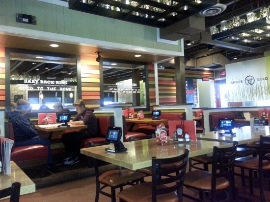 Chili's Grill & Bar: more dining area