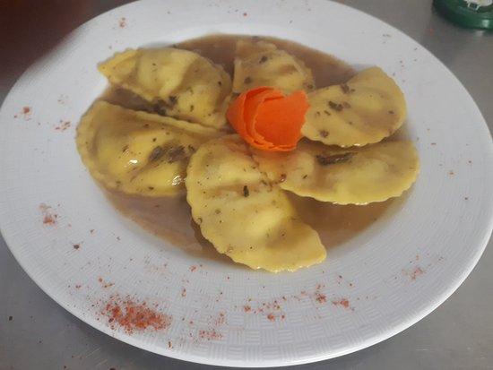 Montazzoli, Italia: La Collinetta Albergo Ristorante Pizzeria
