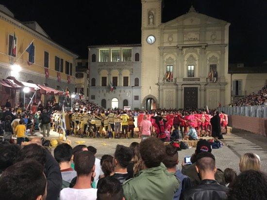 Castelfranco di Sopra, Italia: village festival