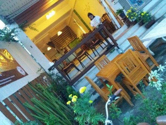 Mai S Thai Restaurant Og Takeaway