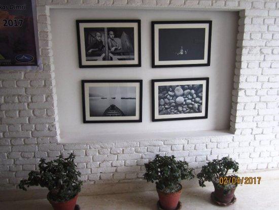 Potala Guest House: Reception area