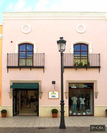 De Fotografía Factory Nike Comercial En Parque Tienda La Noria 5qYZwX7Hx
