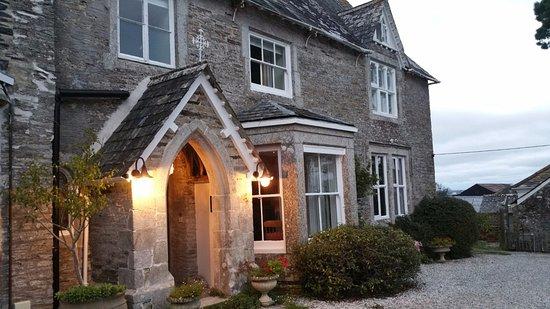 Molesworth Manor: External from car park