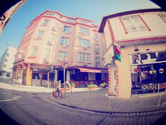 Yenı Hotel: OTEL DIŞ GÖRÜNÜM