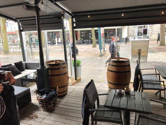 Trollhattan, Suecia: Åretrunt uteservering Pasion tapas & Wines