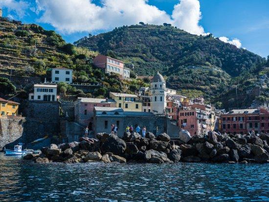 Monterosso boat tours - A bordo con Beppe