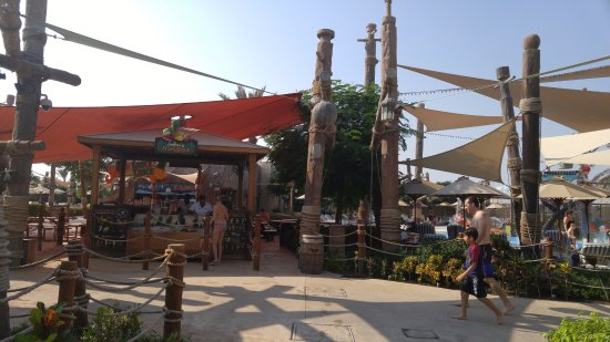 Yas Waterworld Abu Dhabi: Juice and Food