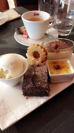 Erstein, France: Café (très) Gourmand