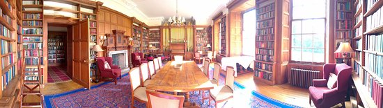 Carberry Tower Mansion House and Estate: Bibliothek