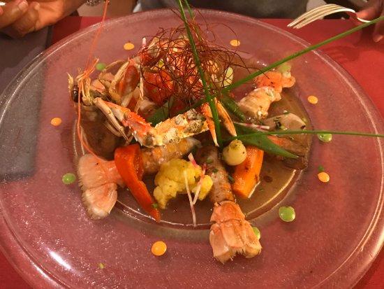 Barcus, Francia: Langoustines et ses petits légumes de saison