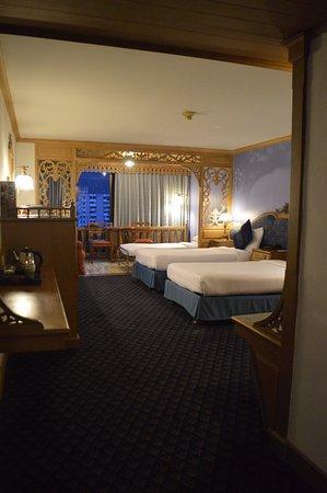 Lotus Hotel Pang Suan Kaew: chambre