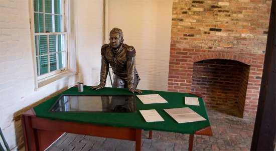 Fort McHenry National Monument: Inside a building