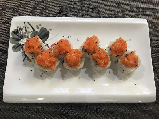 Mediglia, Italie : Take Sushi