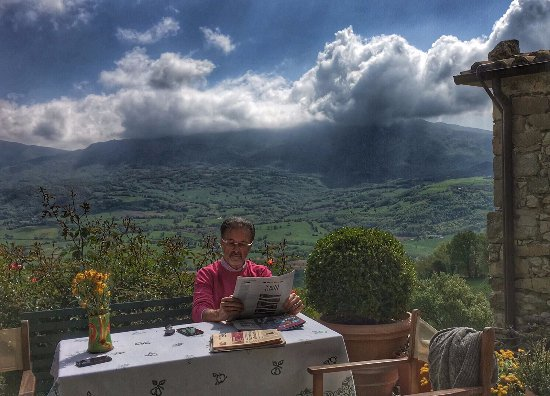 Sant'Agata Feltria, Italia: Vista panoramica dal giardino