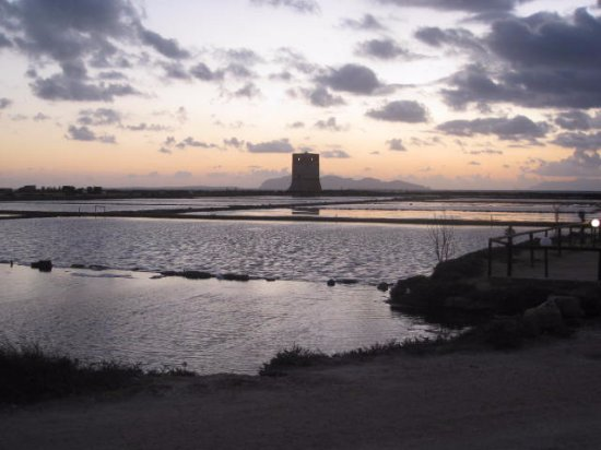 La Torre Saracena di Nubia照片