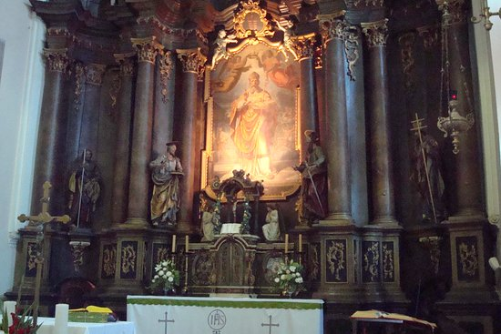 Varazdin, Croatia: Painting of St. Nicholas behind the high altar