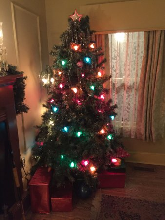 Similar Christmas Tree To The One In The Film Picture Of A