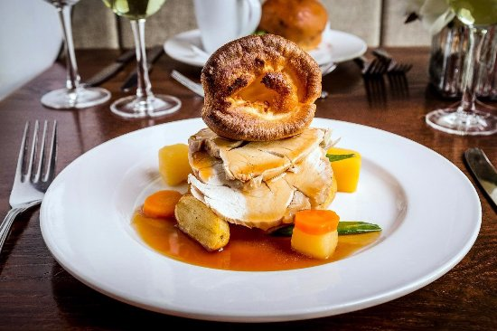 Cotgrave, UK: Delicious Roast of the Day with homemade Yorkies!