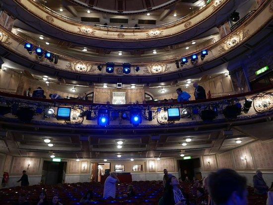 Novello theatre londres 2017 ce qu 39 il faut savoir for Balcony novello theatre
