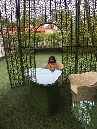 Anjuna, Indien: Wndrfl time wid family