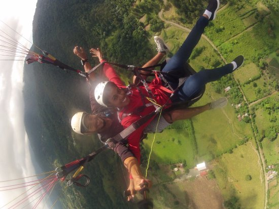 Me fascina  - Picture of Hawk Paragliding School, Jarabacoa