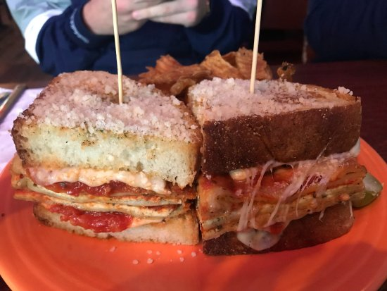 Lakewood, OH: Melt Bar and Grilled