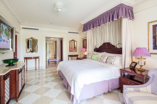 Sandy Lane Hotel: The Penthouse Master Bedroom