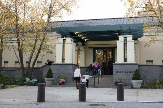 กรีนวิช, คอนเน็กติกัต: Bruce Museum, 1 Museum Drive, Greenwich, CT 06830