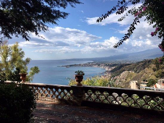 Gaggi, Italia: Btanical Gardens of Taormina