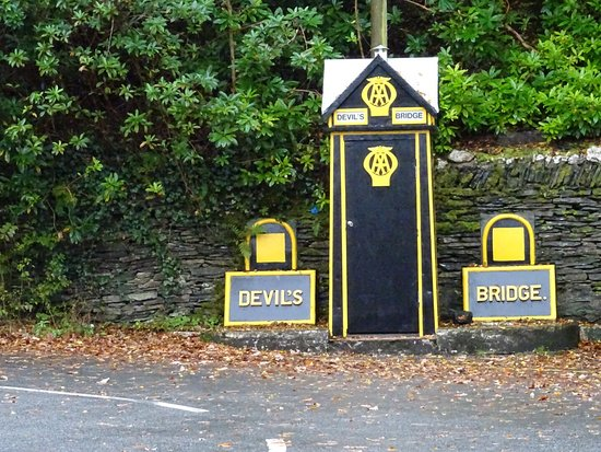 Devil's Bridge (Pontarfynach), UK: photo9.jpg