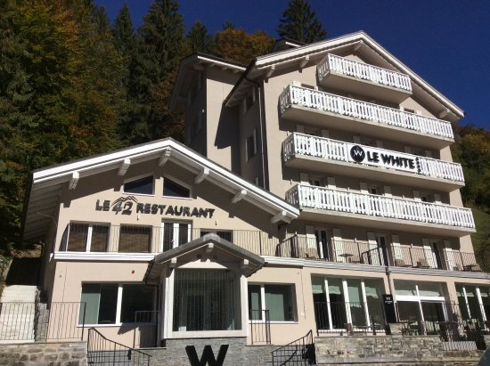 Champery, Schweiz: Front of the hotel