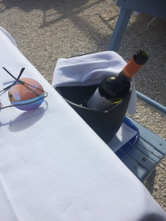 Il Clandestino Susci Bar: vino sulla sedia