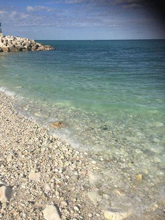 Il Clandestino Susci Bar: il mare