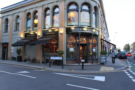 Surbiton, UK: Langleys Restaurant & Wine Bar
