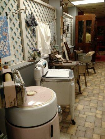 Sapulpa, Оклахома: Historical view of washing machines