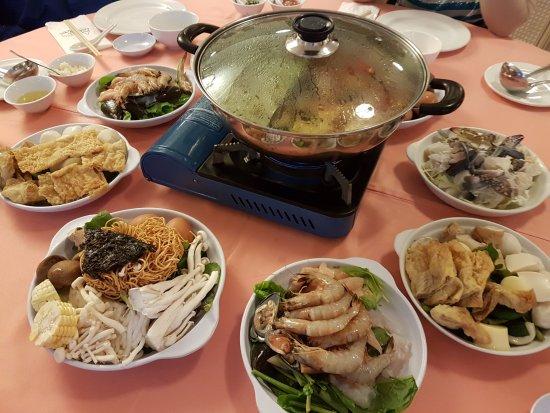 Casa dela Rosa Hotel: Very good steamboat dinner