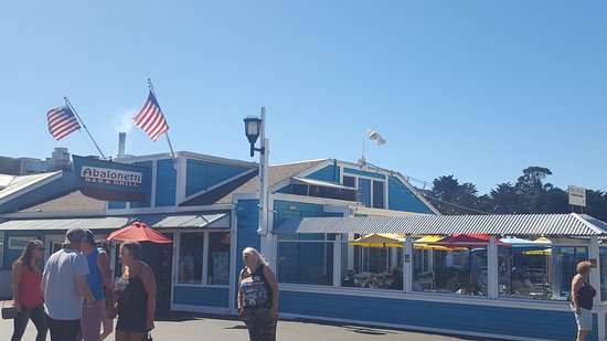 Old Fisherman's Wharf : shops and restaurants