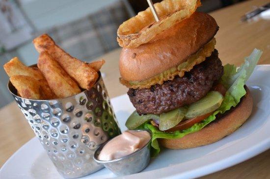 Lowick, UK: Black Bull Burger