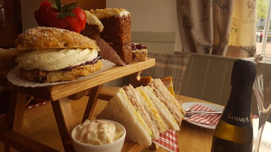 Lowick, UK: Afternoon Tea 2-4pm
