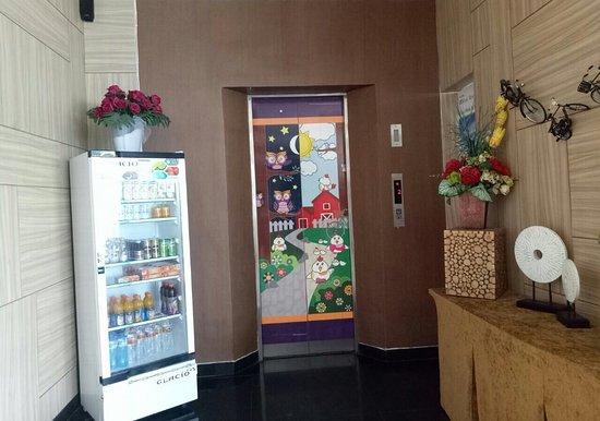Avira Hotel: avirahotel Panakkukang, Makassar