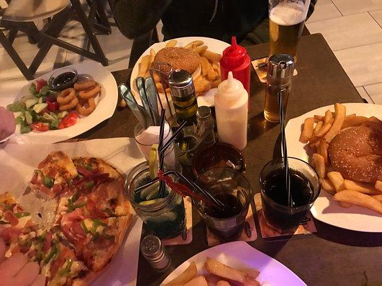 Rainbow bar gouves restaurant bewertungen for Food bar rainbow moon