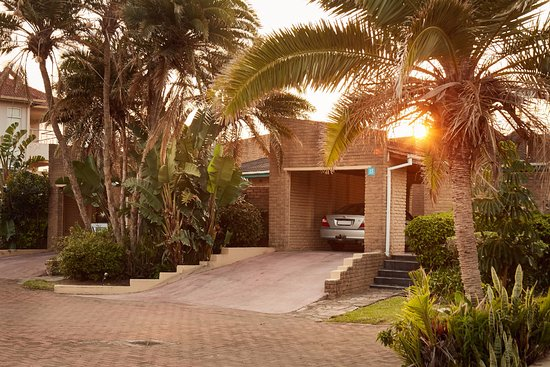 Beach - Picture of Club Hacienda, Uvongo - Tripadvisor